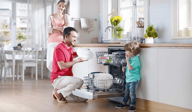 sử dụng máy rửa chén bát